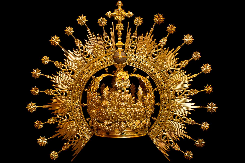 Corona de salida de Nuestra Señora de las Lágrimas