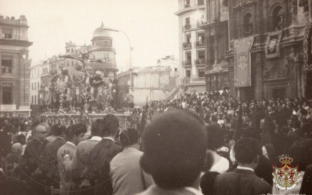 La plaza de San Francisco en el Santo Entierro Magno de 1965