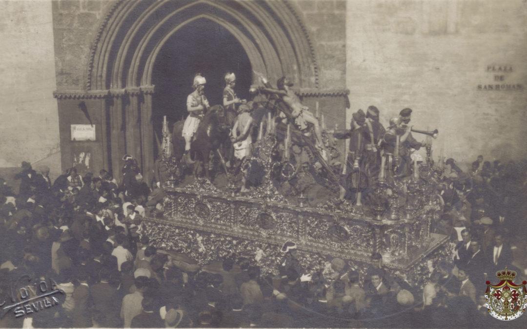 El paso de misterio saliendo de San Román (1930)