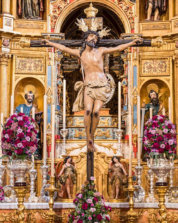 cristo en el altar