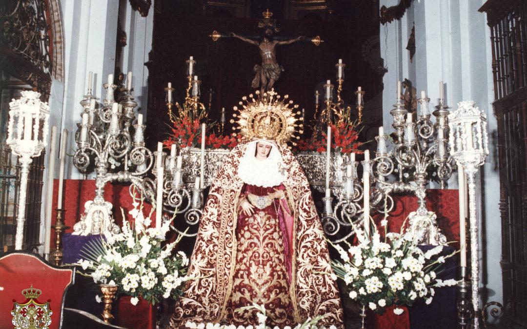 Besamanos a Nuestra Señora de las Lágrimas en el año 1989