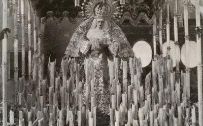 La Virgen en su paso de palio a mediados del siglo XX